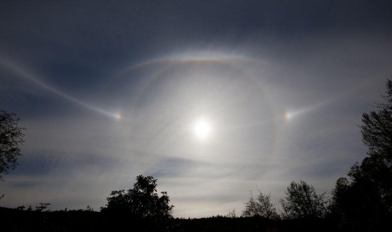 Ice Halos & Sun Dogs <br> (SunHalos052011-163-2.jpg)