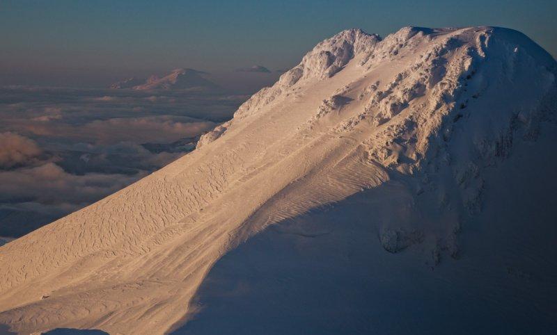 Two Volcanos:  Glacier Peak & Mount Baker <br> (GlacierPk112811-053-1.jpg)