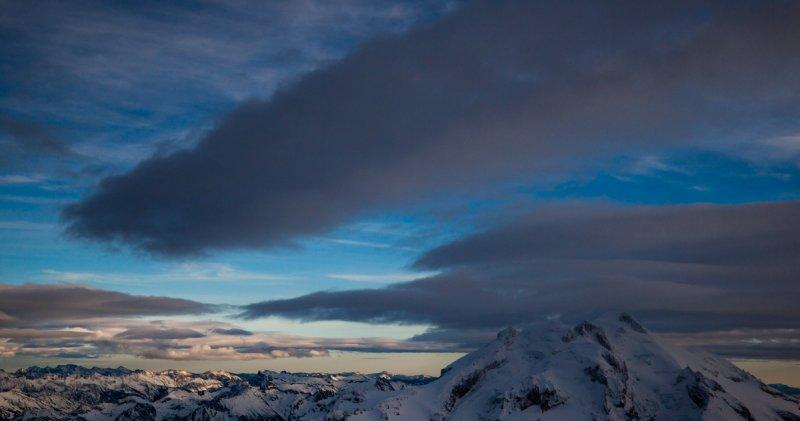 Glacier Peak, Looking Southeast <br> (GP121711-041-4.jpg)