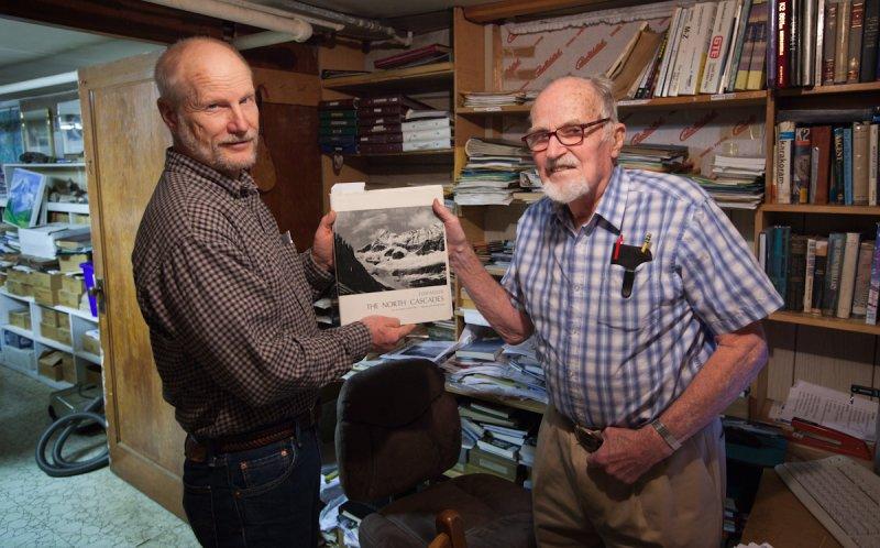 Dave Tucker & Dee Molenaar & The North Cascades <br> (DM122011-53-5.jpg)