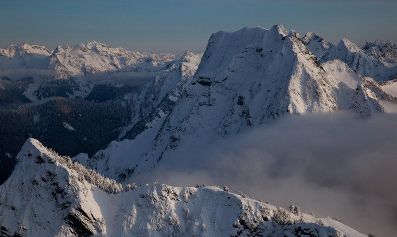 Big Four & Hall Peak (Foreground)  <br> (BigFour_021512_026-1.jpg)