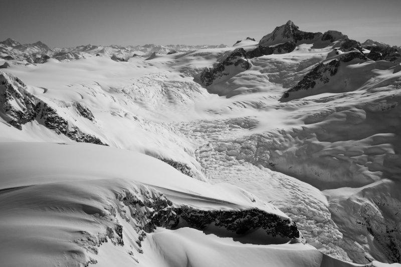 Eliot Glacier & The West Face Of Grenville <br> (Grenville_J_20120324_041.jpg)