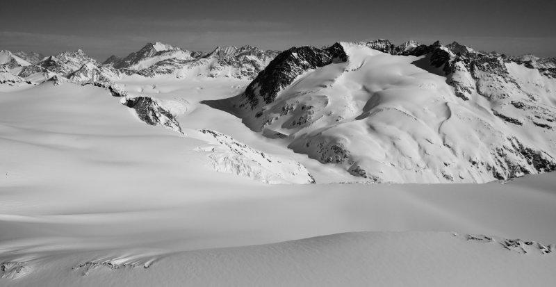 Cambridge Glacier & Pembroke Peak, Looking To The North <br> (Homathko_J_20120324_011.jpg)