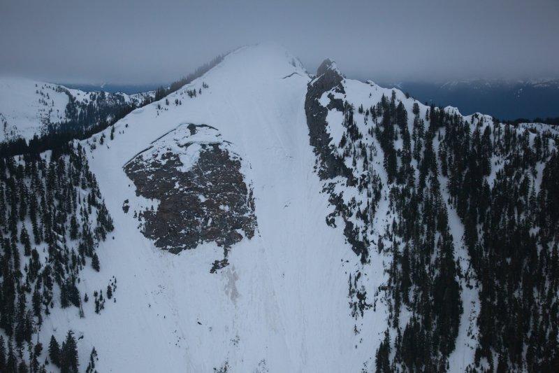 Avalanche, Razorback Mountain E Face <br> (Jordon_041412_04-3.jpg)