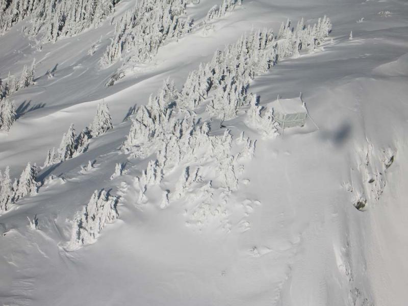 Copper Mt Lookout & Aircraft Shadow <br>  (CopperMt111405-39adj.jpg)