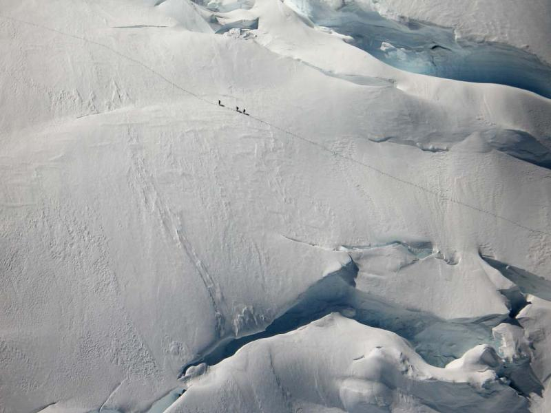 Climbers On Exit Ramps, Upper N Ridge <br> (MtBaker051706-22adj.jpg)