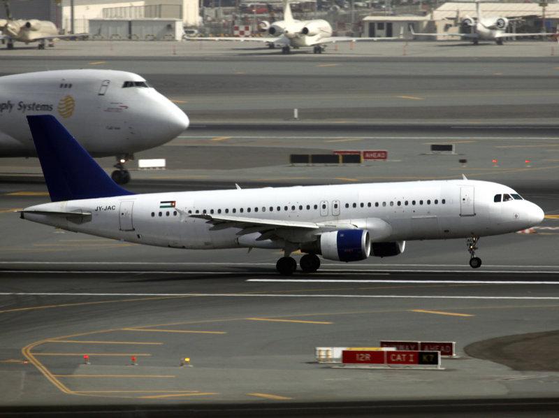 A320  JY-JAC
