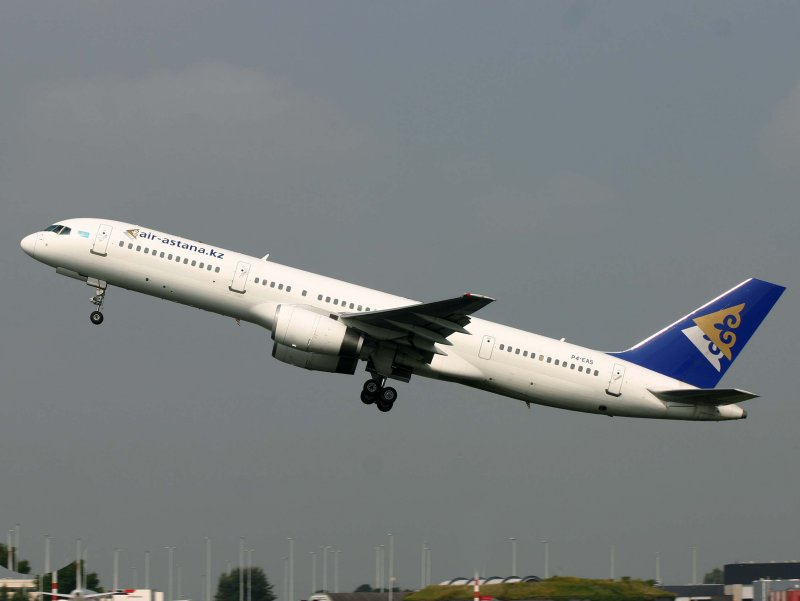 Boeing 757-200 P4-EAS