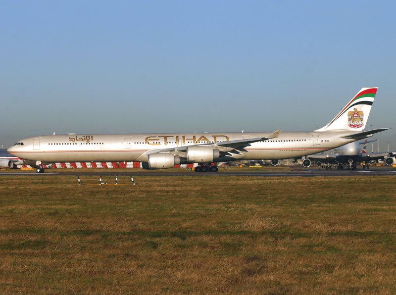 A340-600 A6-EHE