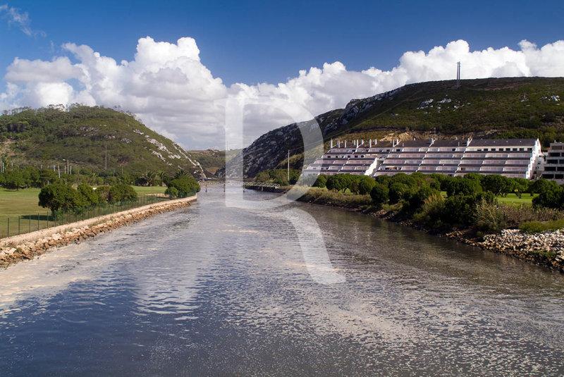 Foz do Rio Alcabrichel junto à...