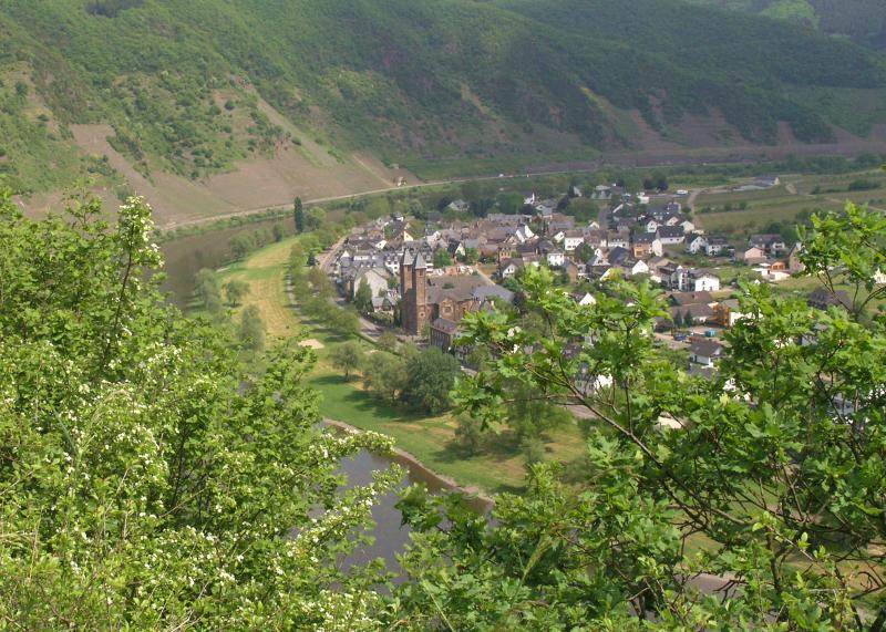 Dorf von oben.jpg