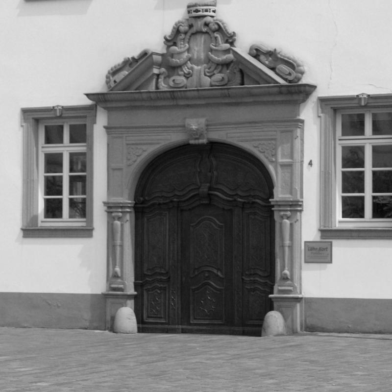 Elegant entrance.jpg