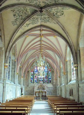 A CATHEDRAL SIDE CHAPEL   573