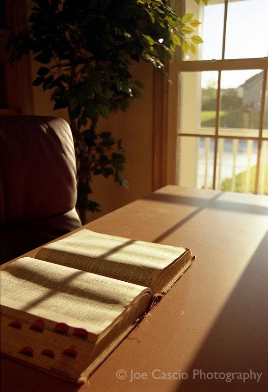 Desk_sunlight_book.jpg