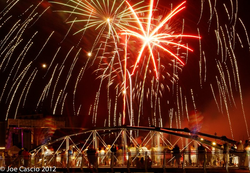 Bridge_fireworks_Welcome.jpg
