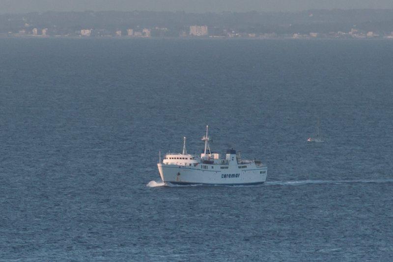 Traghetto in arrivo a Ischia