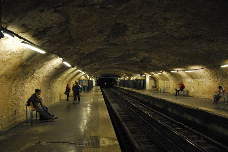 Abbesse Platform