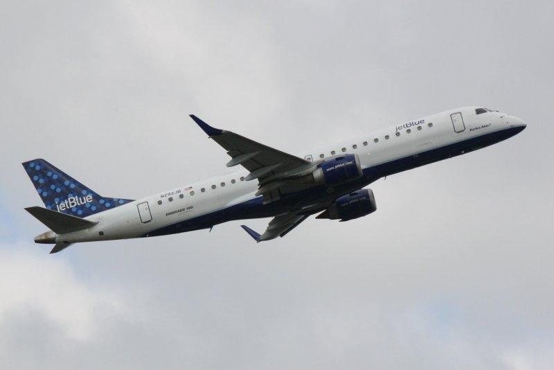 Embraer 190 (N292JB) Parlez-blue?
