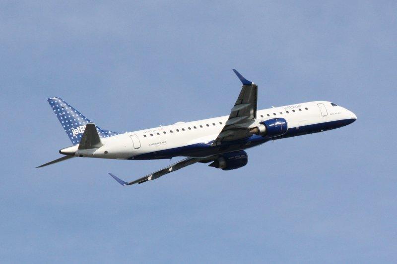 Embraer 190 (N197JB) Color Me Blue
