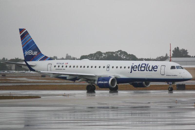 Embraer 190 (N334JB) #Follow @ JetBlue