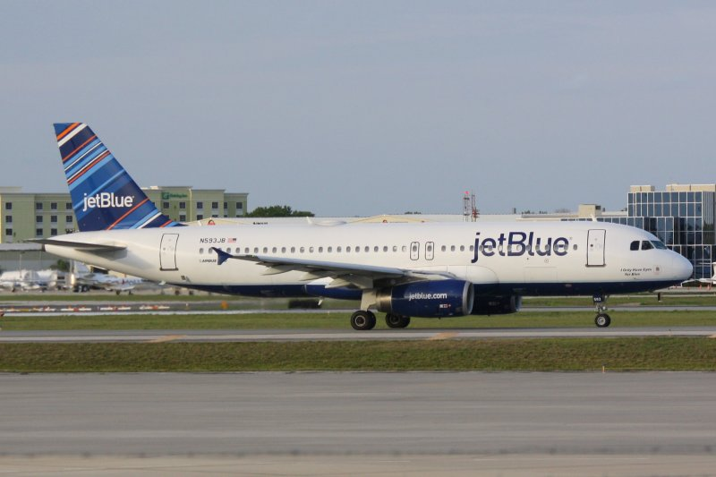 Airbus A320 (N593JB) I Only Have Eyes For Blue