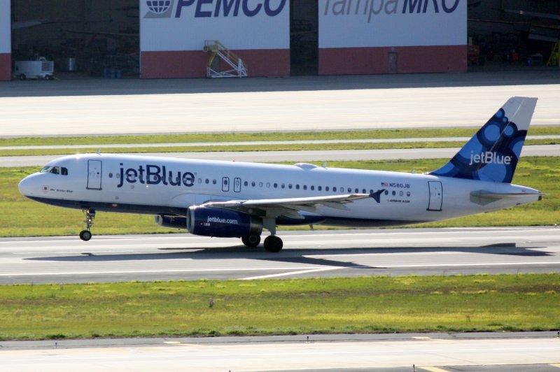 Airbus A320 (N580JB) Mo Better Blue