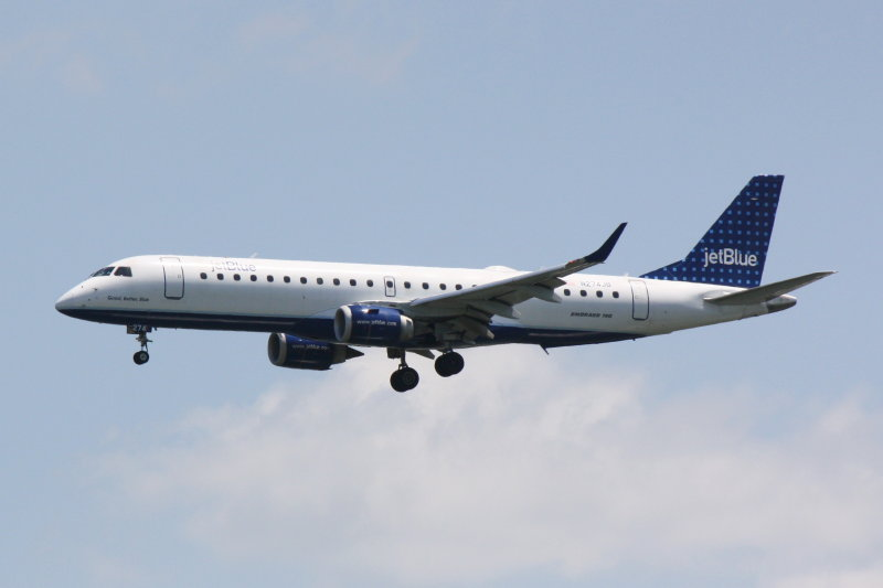 Embraer 190 (N274JB) Good, Better, Blue
