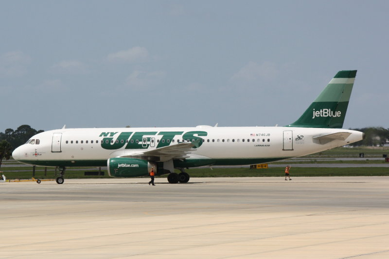 Airbus A320 (N746JB) New York Jets