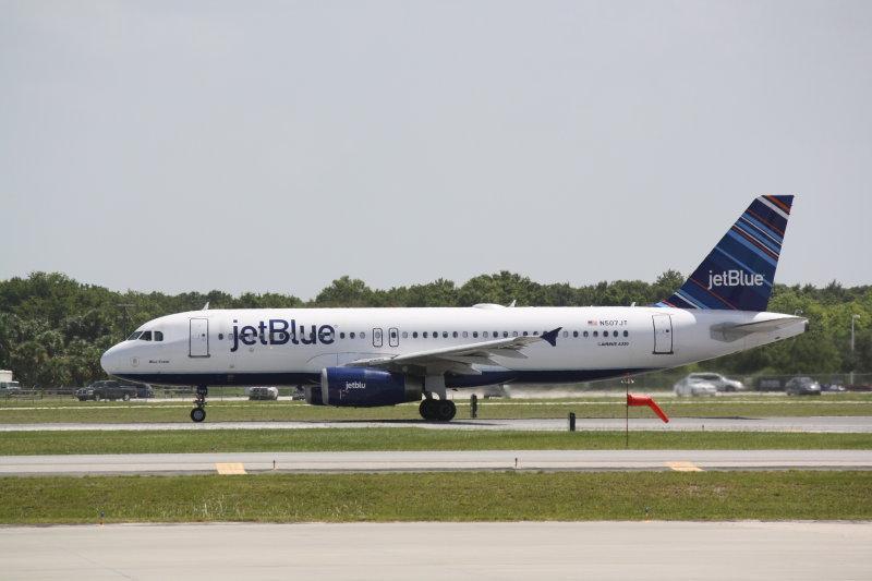 Airbus A320 (N507JT) Blue Crew