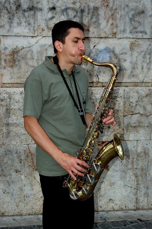 STREET    MUSICIAN ...