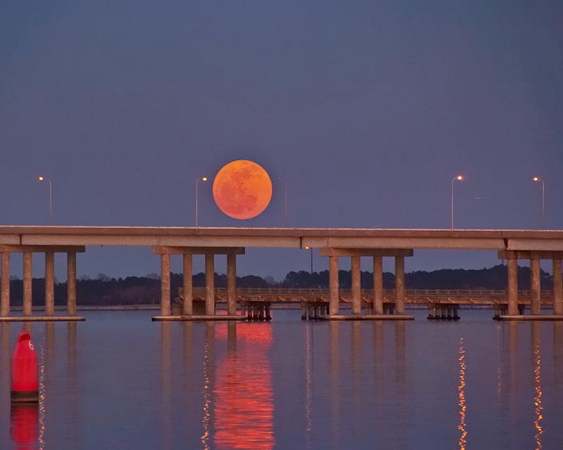 Moon and Malkus Bridge
