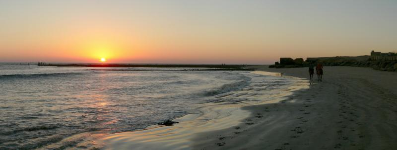 Manora Beach - Sunset - Panorama 846.JPG
