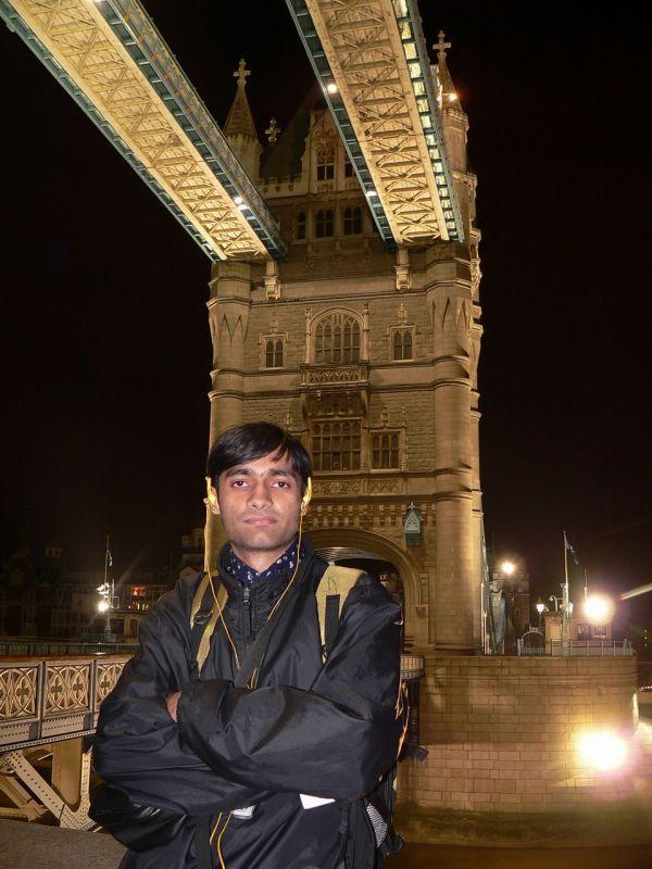 Me at the Tower Bridge London - 50947.JPG
