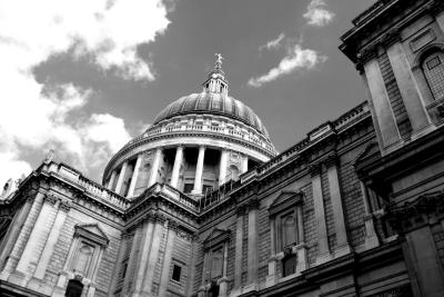 Another dramatic moment at St Pauls