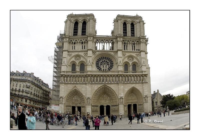 Entrée de Notre-Dame