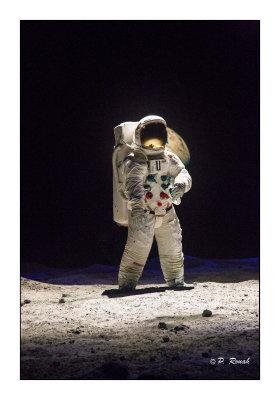 Astronaut at work - 2890