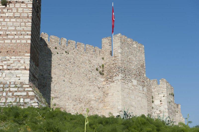 Selcuk Castle March 2011 3319.jpg