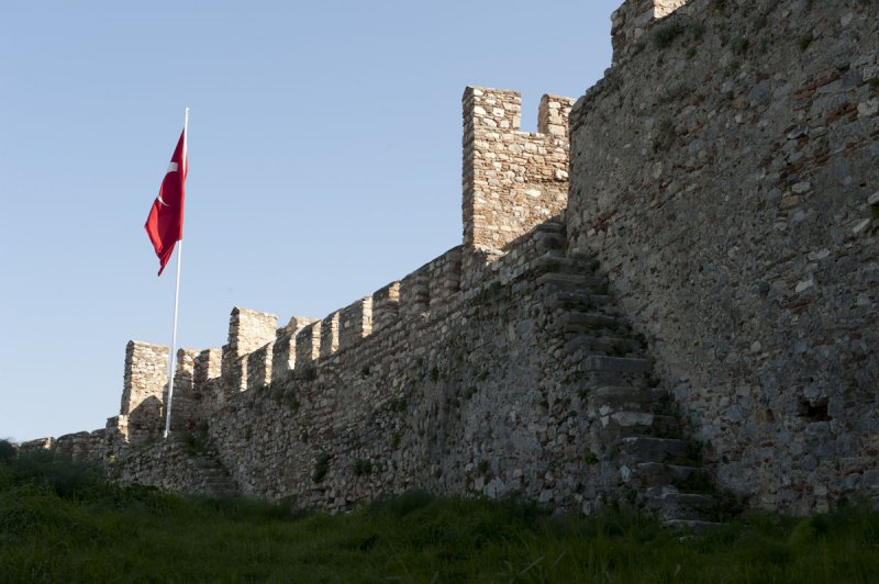 Selcuk Castle March 2011 3322.jpg