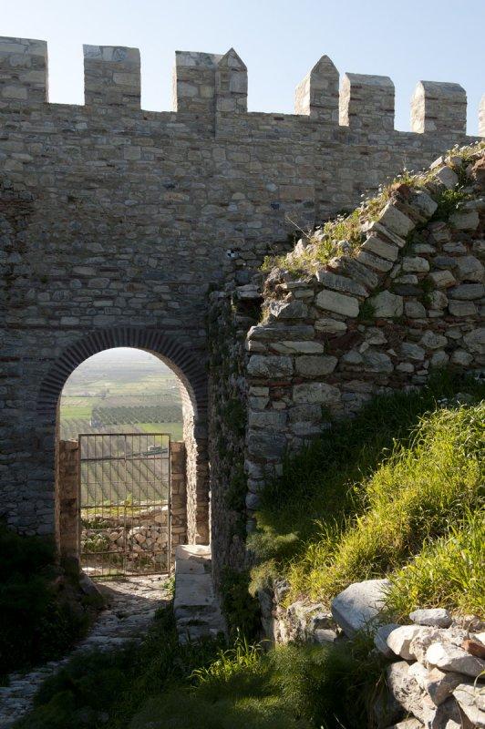 Selcuk Castle March 2011 3324.jpg
