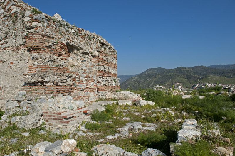 Selcuk Castle March 2011 3334.jpg