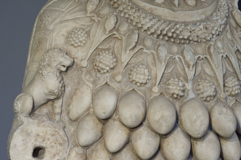 Selcuk Museum March 2011 3872.jpg