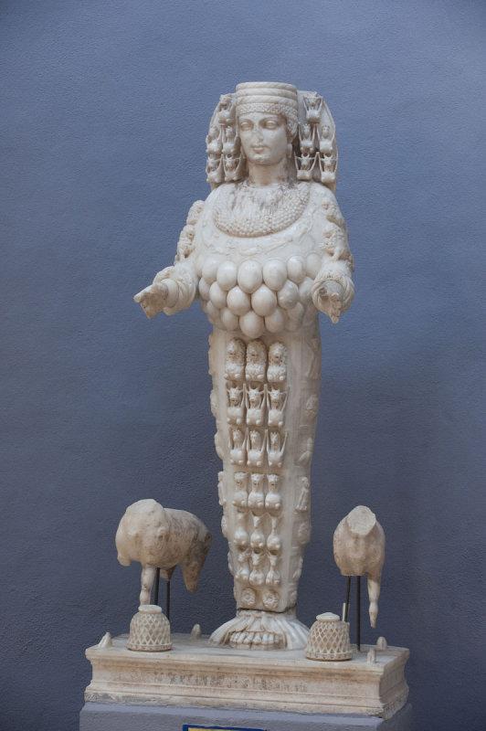Selcuk Museum March 2011 3891.jpg