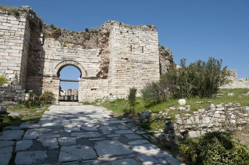 Selcuk Basilica of St John the Apostle March 2011 3178.jpg