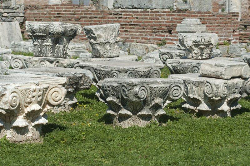 Selcuk Basilica of St John the Apostle March 2011 3189.jpg