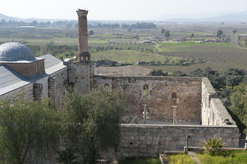 Selcuk Basilica of St John the Apostle March 2011 3207.jpg