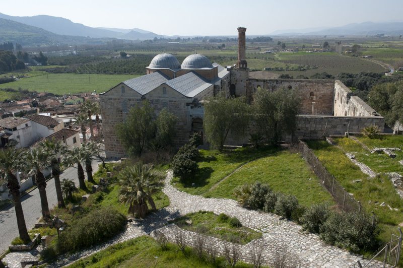 Selcuk Basilica of St John the Apostle March 2011 3209.jpg