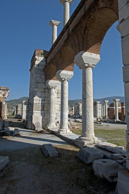 Selcuk Basilica of St John the Apostle March 2011 3224.jpg