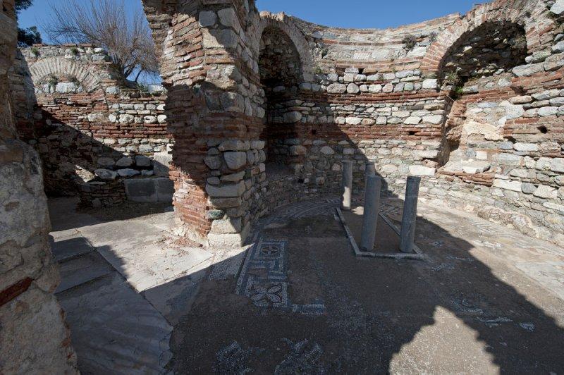 Selcuk Basilica of St John the Apostle March 2011 3237.jpg