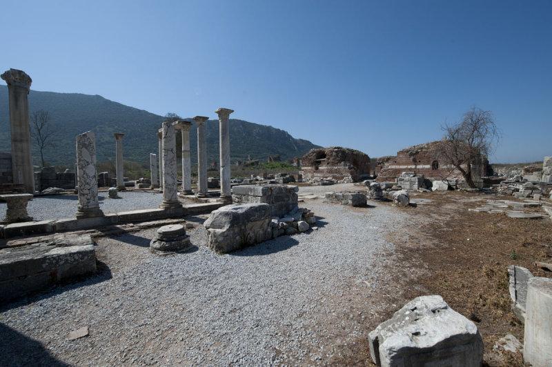 Ephesus March 2011 3601.jpg