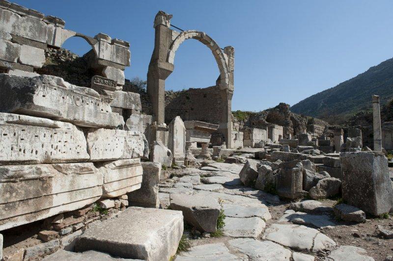 Ephesus March 2011 3741.jpg